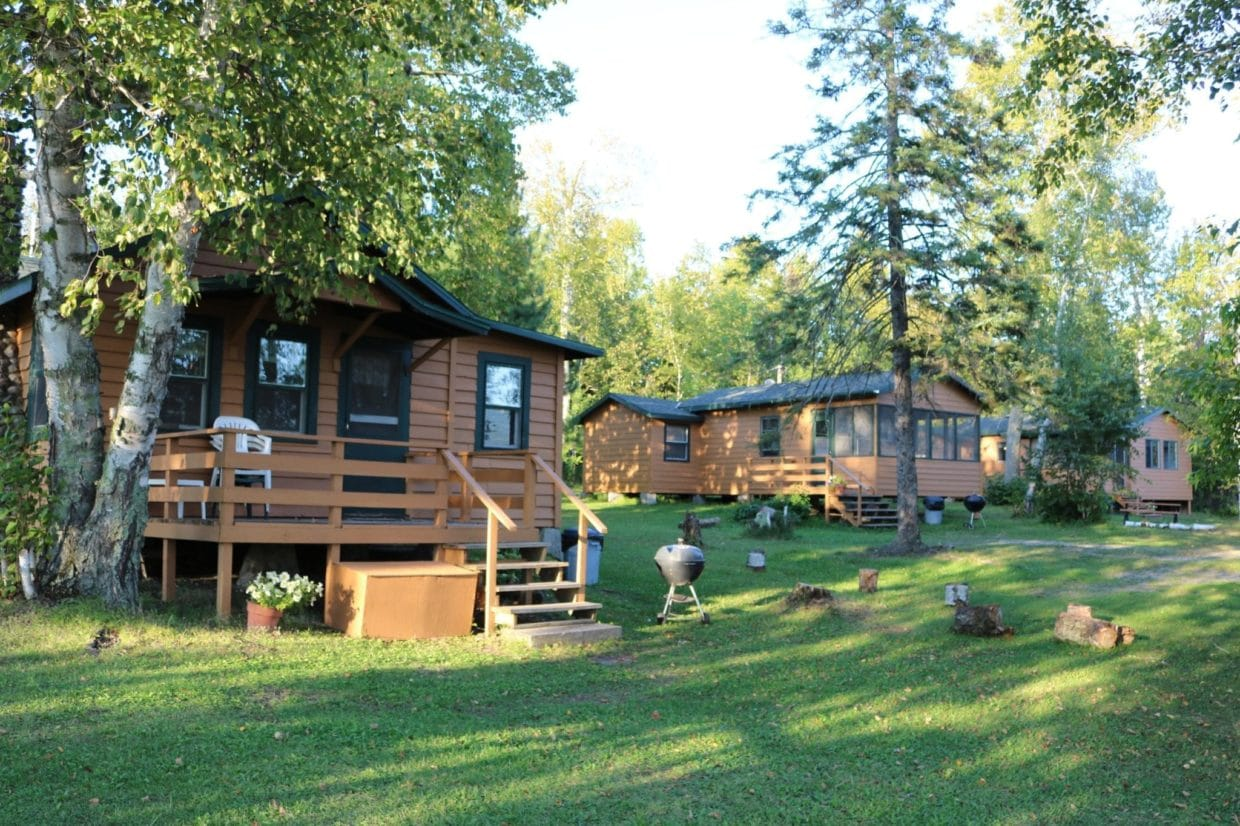Everett Bay resort Lakefront cabins
