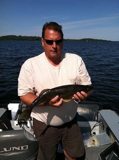 Doug wit Lake Vermilion walleye
