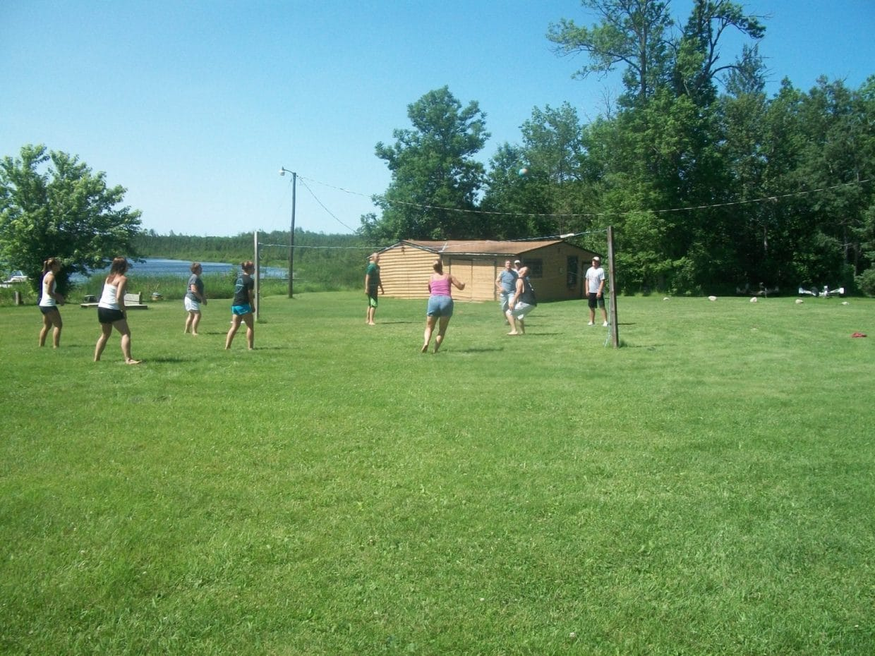 Vermilion, MN resort guests playing volleyball