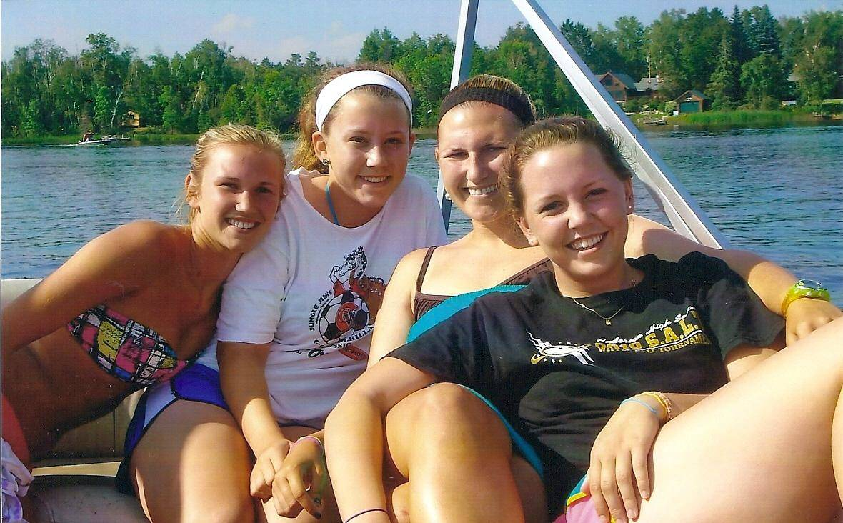 Lake Vermilion family vacation on pontoon