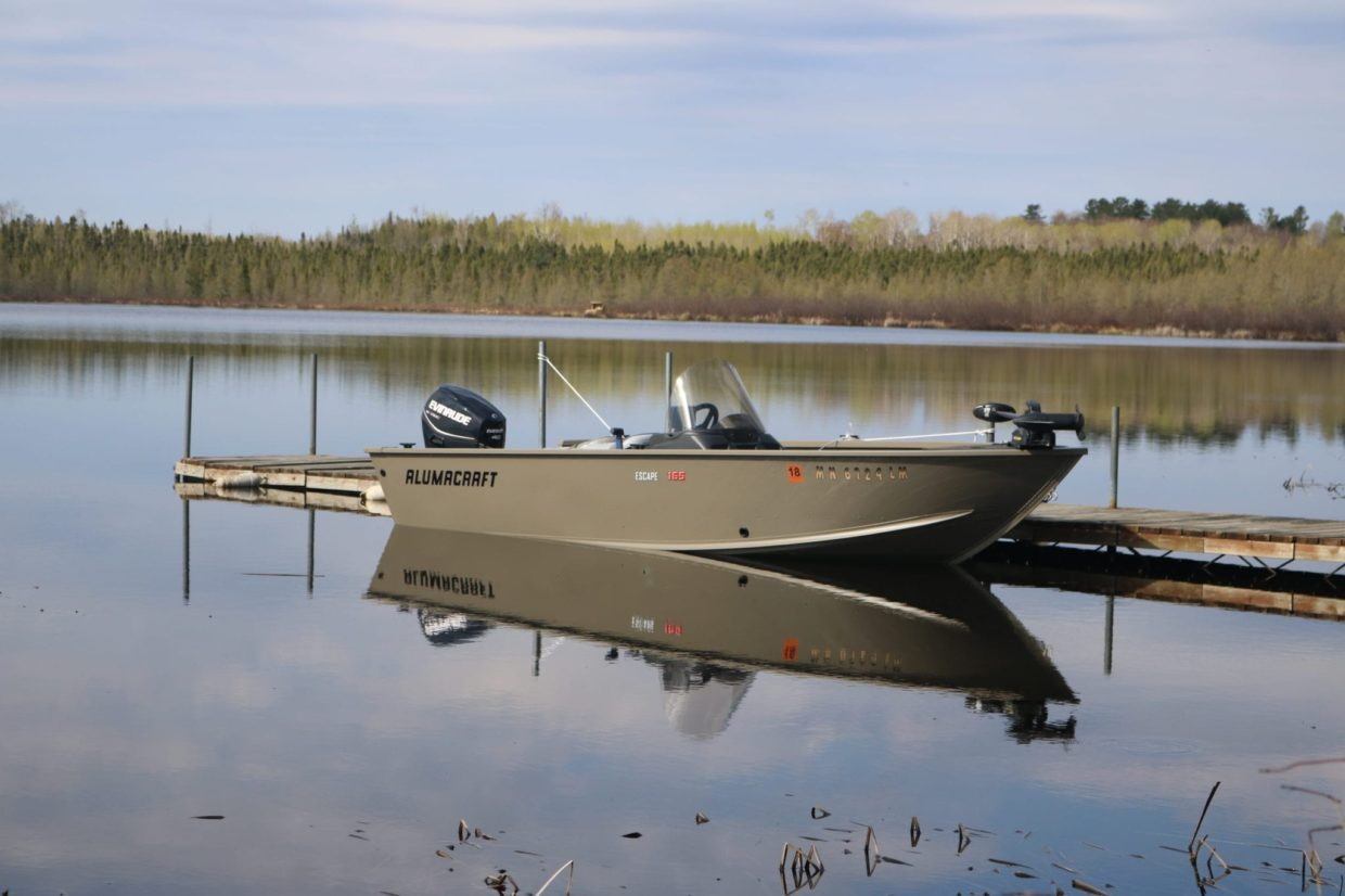 Fishing boats for rent on Lake Vermilion Alumacraft Escape