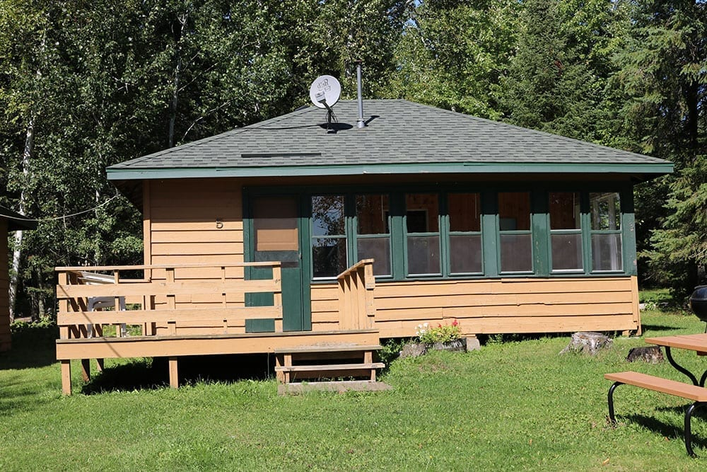 Everett Bay Lodge cabin
